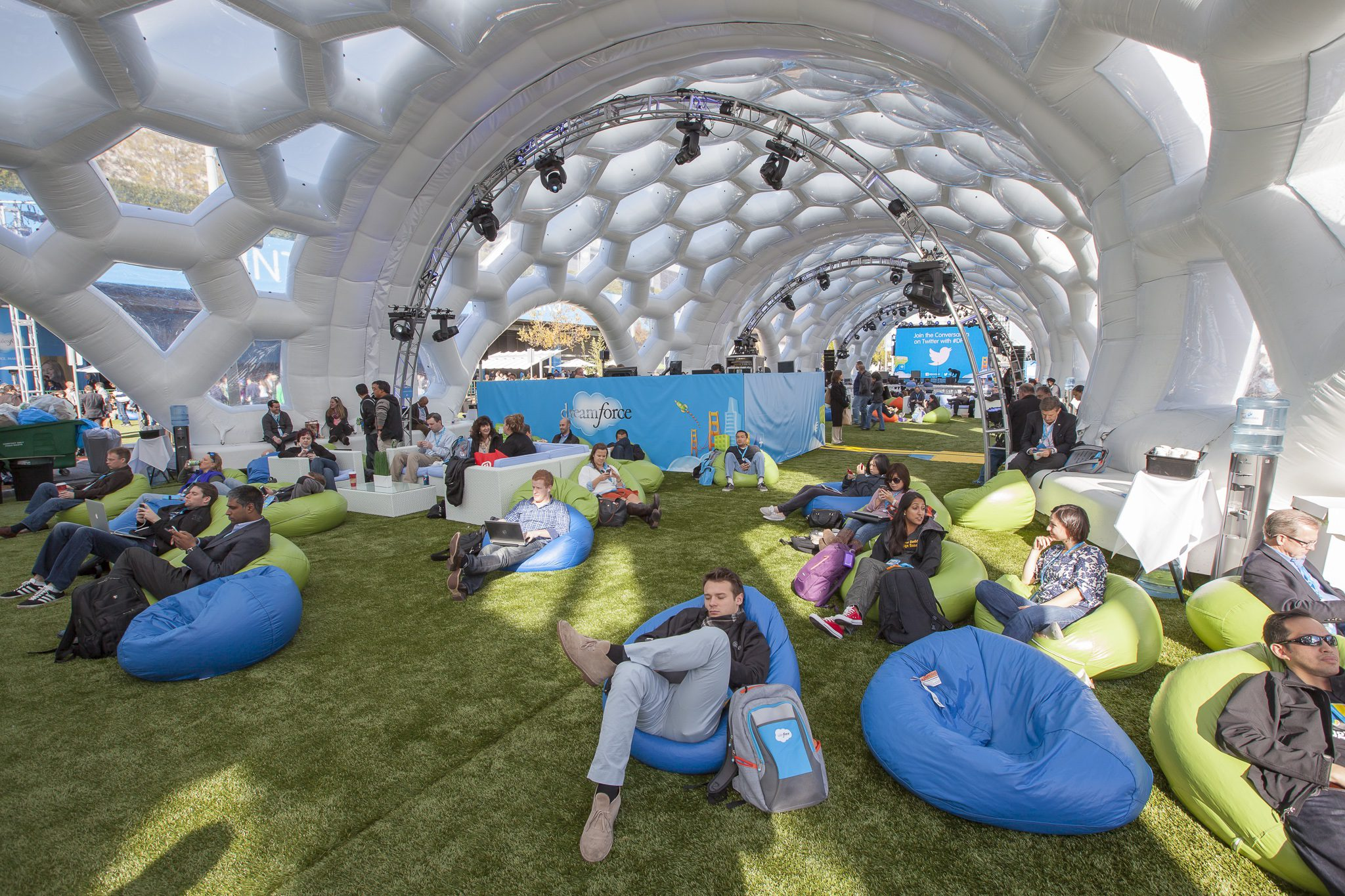 How To Get Your Free Dreamforce 2017 Expo Pass!